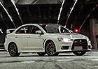 Video: Mitsubishi Lancer Evolution Final Edition: Des�tka se lou�� i v Americe