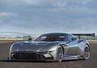 Aston Martin ztrojnásobil ztrátu, hodlá propouštět