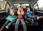 Průzkum Fordu: Dětem v autě vadí, když rodiče zpívají a nadávají