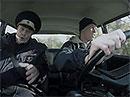 Video: Pilot Formule 1 dělá autoškolu. V žigulíku. Uspěl?