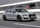 Audi S8 plus: Velký sportovní sedan stojí pakatel, 3,5 milionu Kč