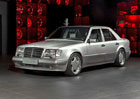 Mercedes-Benz E 60 AMG: Vz�cn� �ty�ka s interi�rem od Overdrive