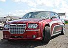 Chrysler 300C: Driftovací speciál s motorem z Viperu