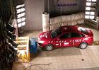 Video: Lada Vesta se z��astnila rusk�ho crash testu. Jak dopadla?