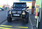Video: S Mercedesem G 500 4x42 ve fast foodu: Pro řidiče hračka, pro personál nic moc