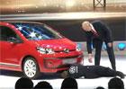 Video: Komik narušil ženevskou prezentaci Volkswagenu, kvůli Dieselgate