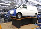 Volkswagen T6: Nahl�dn�te do z�kulis� jeho v�roby (+videa)