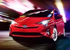 Nov� Toyota Prius v �esku startuje na 744.900 K�, v�bava je hodn� bohat�