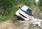 Video: Smart že je pouze miniauto? Vždyť je to offroad!