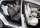 Tesla svol�v� ke kontrole 2700 voz� Model X kv�li sedadl�m