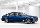 BMW oslavuje 100 let speciální modro-bílou řadou 7