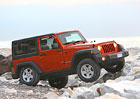 Fiat Chrysler svol� p�es p�l milionu aut kv�li airbag�m
