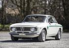 Alfa Romeo Giulia GTA 1300 Junior: Italsk� kr�ska za necel� 4 miliony korun