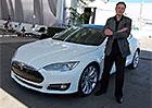 Takhle to d�l� Musk: Ztr�tov� firmy, spojte se!