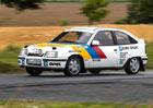 Za volantem Opelu Kadett E GSi: Jak tr�noval �kr�l drift�?� (+video)