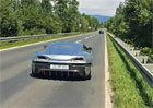 Video: Pod�vejte se, jak elektrick� supersport zrychl� z 0-100 km/h za 2,6 s