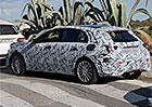 Mercedes-Benz A bude v nové generaci praktičtější a prostornější (+spy video)