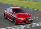 S Alfou Romeo Giulia QV na okruhu v Most�: Mi�ka vs. Vr�eck�! (+video)