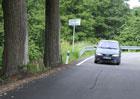 Pot�ebujeme nebezpe�n� stromy u silnic? I za cenu �ivota?