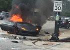 Rozpůlené Lamborghini v plamenech, řidič ale přežil (+video)