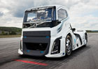 Volvo Trucks: The Iron Knight poko�il dva rychlostn� rekordy (+videa)