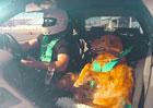 Video: Podívejte se na Jett milující driftování. Je to fenka!