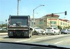 Video: ��len� �idi� n�kla��ku demoluje okoln� auta