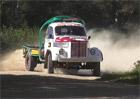 Video: Závody starých trucků. Driftem každou zatáčku!