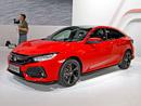 Nová Honda Civic naživo: Konečně se v ní dobře sedí, do Česka dorazí i sedan
