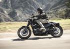 Harley-Davidson v probl�mech. Kv�li slab�m prodej�m bude propou�t�t