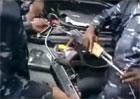 Video: Na co startovac� kabely, kdy� m�te Kala�nikov AK-47