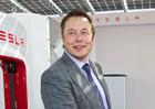 Elon Musk nedostane ani korunu, pokud Tesla nesplní vytyčené cíle. A nejsou malé