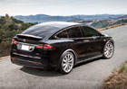 V�robce elektromobil� Tesla poprv� za t�i roky vyk�zal zisk