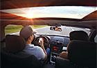 Devět nejvíce nebezpečných věcí za volantem. Děláte je taky?