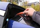 Video: Tesla Model X - kráječ prstů v základní výbavě?
