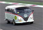 Video: Volkswagen Bus s 530koňovým motorem z Porsche 911