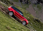 Video: Nejtěžší jízda pro Stiga? S Range Roverem Sport na sjezdovce