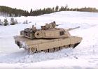 Nejdivnější podívaná na světě? Takhle driftuje tank!