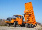 Jak se řídí legendární Tatra 148? Vše je naopak!