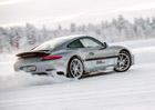 Jak jezdit na sněhu a ledu? Máme pro vás několik pravidel!