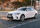 Vyzkoušeli jsme modernizovaný Lexus IS. I hybrid si chce hrát!