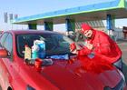 Zákaznické programy benzinek: Vyplatí se? A co všechno můžete získat?