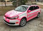 Američané stále Volkswagenu vracejí záměrně poškozená auta. Tahle růžovka však neprošla