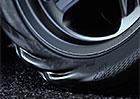 Video: Co dokáže obrovský točivý moment udělat s pneumatikou?