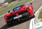 Ferrari prý má přístroj na stáčení kilometrů. Na zánovních autech pak vydělává miliony!
