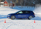 S Volkswagenem Golf R v ledovém království: Drifty, bouračky a Bam Bam! (+videa)