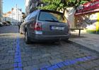 Parkovací karty v Praze na prodej. Je to vůbec legální?