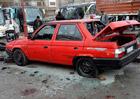 Unikátní Škoda Favorit sedan zničena v Sýrii. Je to jeden ze dvou vyrobených kousků?