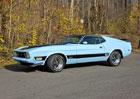 Ford Mustang Mach 1 v odstínu Baby Blue je nádherný stroj času