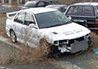 Dechberoucí snímky: Takto už několik let chátrají vozy po tragédii ve Fukušimě